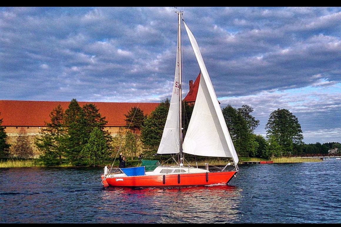 Laivo Orangina nuoma Trakuose
